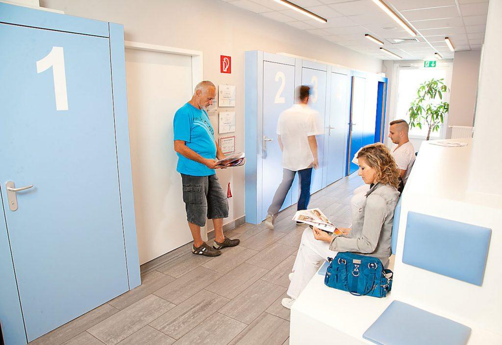 Wartebereich Schwachbestrahlung, Mammographie & Ultraschall im Diagnosezentrum Donaustadt, 1220 Wien